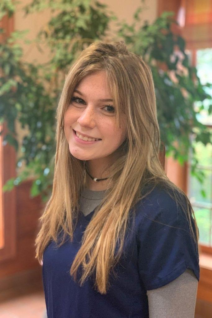 Laryssa Coleman - Kennel Assistant