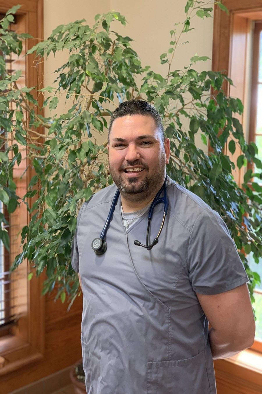 Jonathan-Burch, Veterinary Technician Assistant